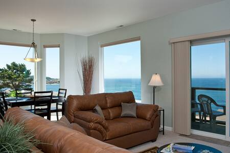 Ocean View Condo - HDTV & Fireplace - Depoe Bay - Apartment