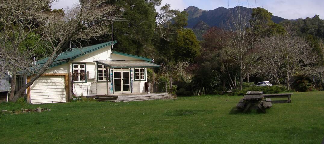 Mt Valley Sch: Bring your own bedding & towels - Motueka Valley - House