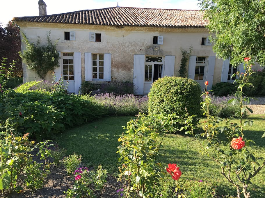 Le petit r ve the little dream houses for rent in for Reve dream homes