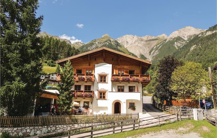 Holiday apartment with 2 bedrooms on 85m² in Pettneu am Arlberg