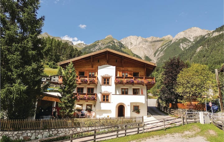 Nice home in Pettneu am Arlberg with WiFi and 2 Bedrooms