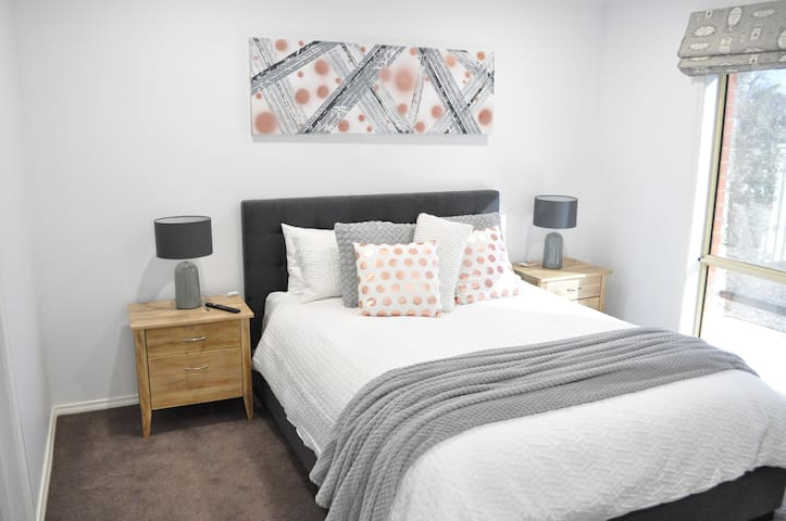 Master bedroom......super comfy queen bed, soft linens, WIR and ensuite.