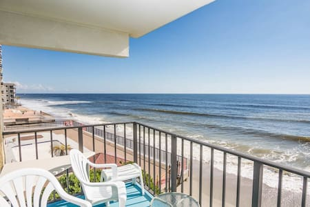 Big Oceanfront 3BR, Room for the Whole Family! Don't Like Heights? Second Floor w/ Elevator - Garden City - Wohnung