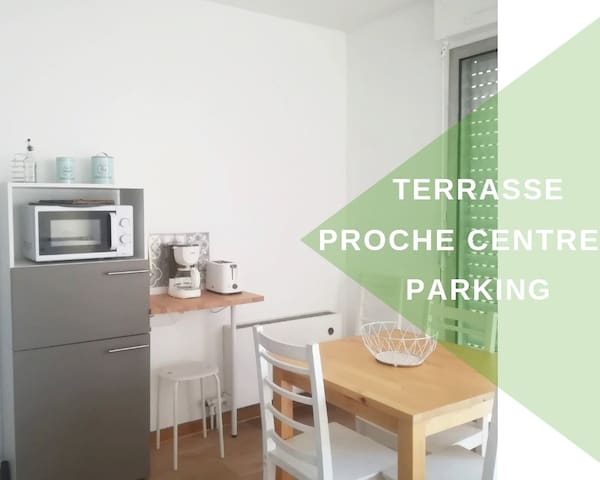 Studio avec terrasse, place parking, fibre optique