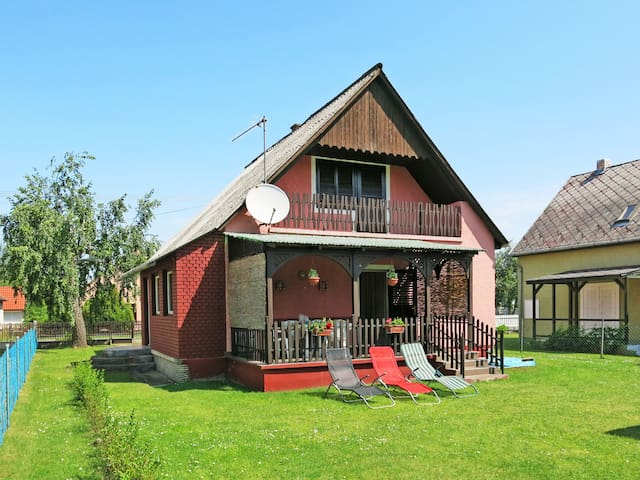 Holiday House Wolf for 4 persons in Balatonmariafürdö