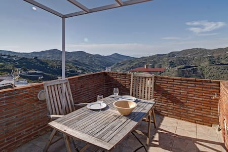 Charming townhouse at La Axarquia (Canillas)