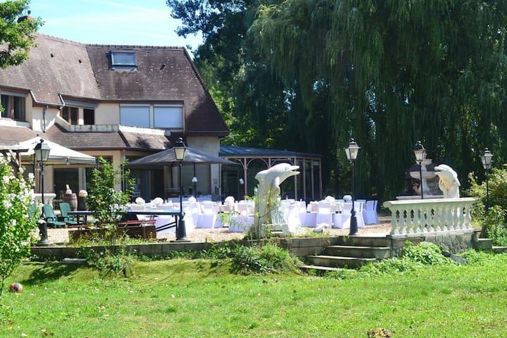 Grande villa avec jardin & terrasse