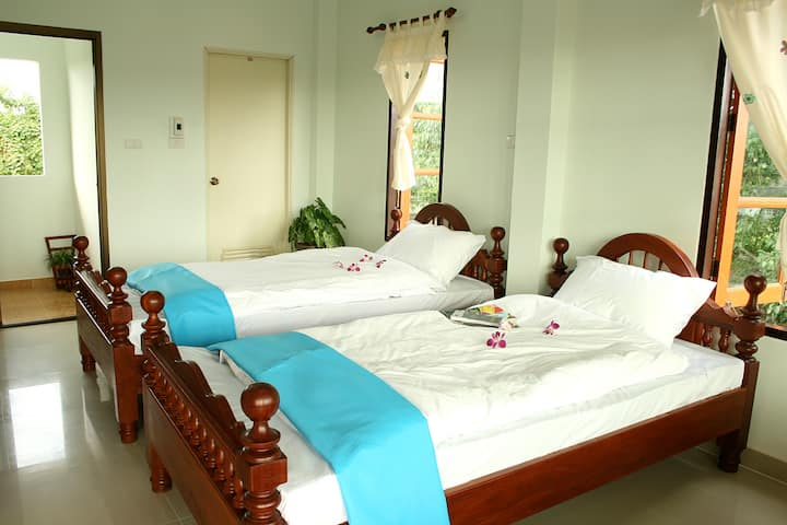 Thai guesthouse Twin bed