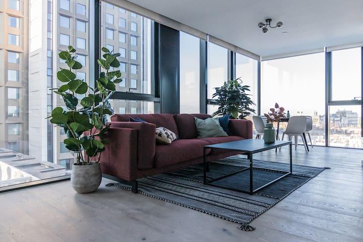 Panoramic view, chic 1 bedroom apt near Highgate!