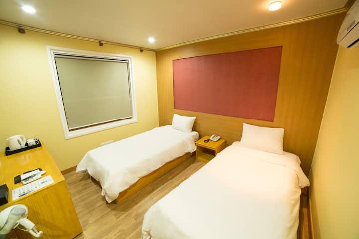Jeju Stay Hotel  (single bed 2)