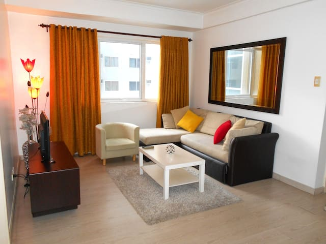COZY 2BR unit at the heart of BGC Taguig!