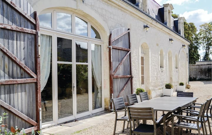 Holiday cottage with 4 bedrooms on 187m² in Riviere