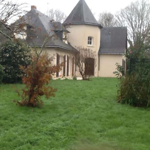 Chambre a la campagne - Sainte-Gemmes-d'Andigné - Rumah