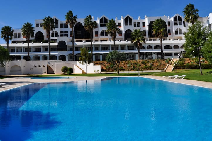 Oura Estrela T3 lovely apartment close to the Strip