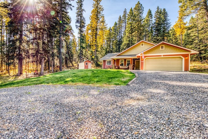 Secluded home w/ private hot tub & wood stove - near Tamarack!