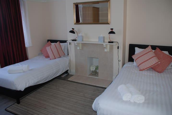 Crown House (Room 1) - Peterborough - Rumah