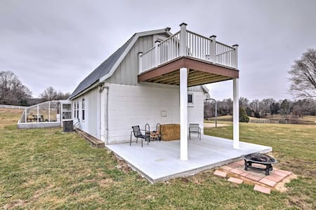 Tranquil 1BR Berger Bunkhouse on a Farm! - Berger - Casa