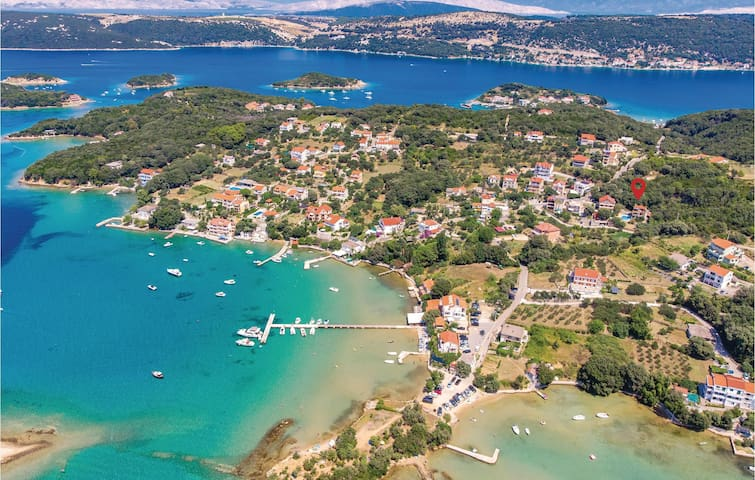 Holiday apartment with 2 bedrooms on 61m² in Supetarska Draga