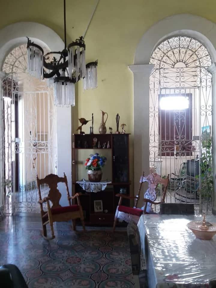 """""""CASA CELE 1922""""   Casa Colonial. Centro Historico"""