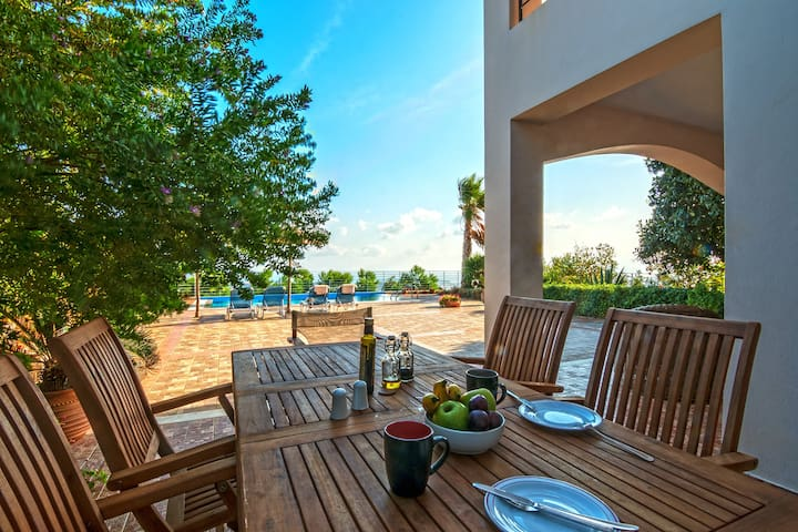Two bedroom deluxe pool villa with sea view(V2) - Agios Nikolaos - Villa