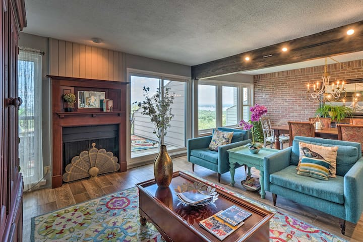 Updated Horseshoe Bay Condo w/ Lake LBJ Views!