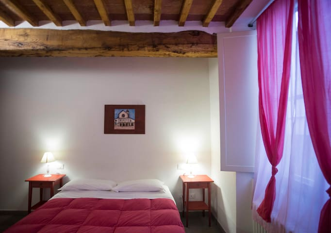 Room in BB Donzelle di Vettovaglie - Pise - Bed & Breakfast