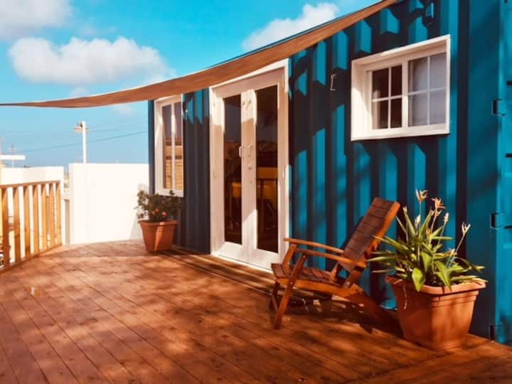 """LA CASITA Aruba"" Tiny House (2 Bds) close to sea"