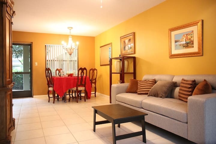 1 Bedroom Condo in a Great Location: Bonita/Naples - Bonita Springs - Condomínio