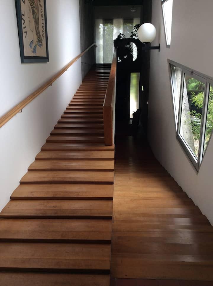 Chambre dans une maison d'architecte classée