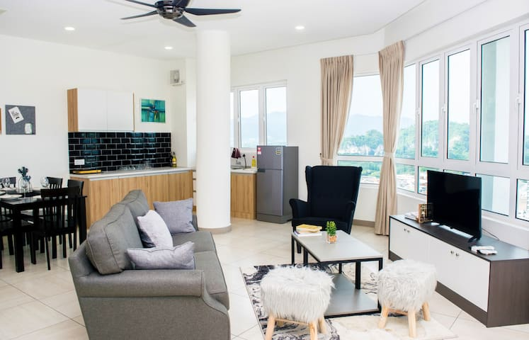Octagon Penthouse 5BR/12pax, Stay in the very heart of Ipoh !