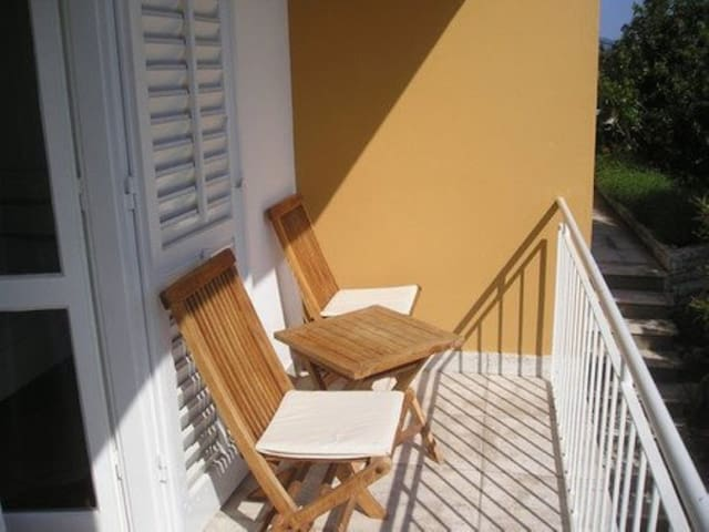 Room, seaside in Vela Luka - island Korcula, Balcony
