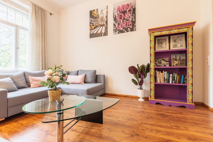 TOP 2-Room-Apt - NETFLIX+WiFi - 10 min to old town