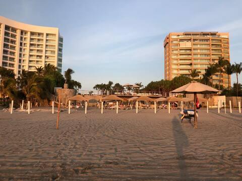 Depto en MAYAN LAKES playa, Gym, Vapor, Sauna.