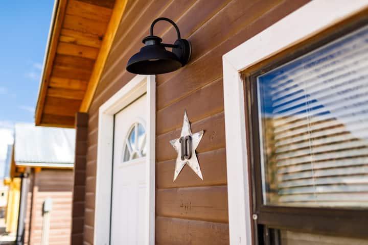 Bunkhouse Cabin 10