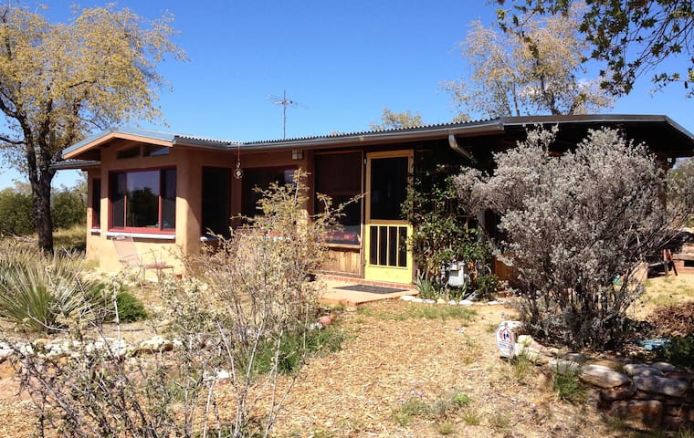 La Casita - A High Desert Retreat - Oracle - Ev