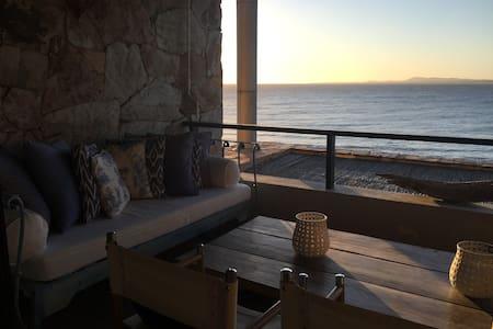 Relax en P.Ballena. 2 Dormitorios (uno es abierto)