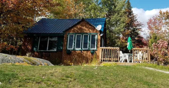 Beautiful Lakeside Cottage for rent (May-October)