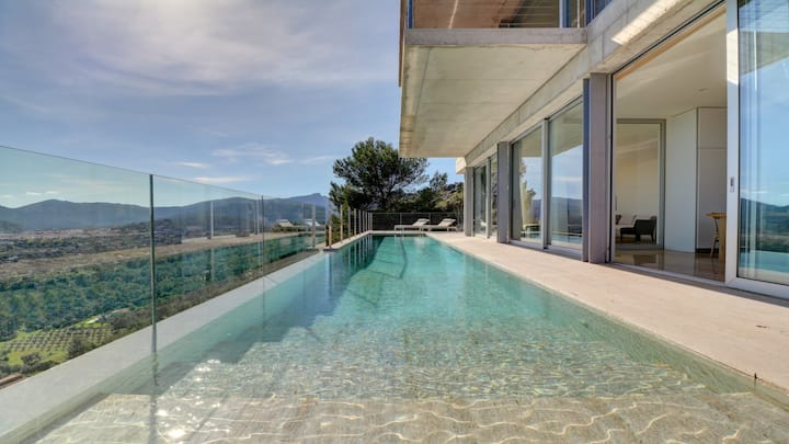 Luxury villa with heated pool, amazing views