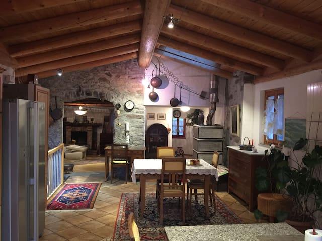 Casa rustica tipica Ticinese 8 posti letto