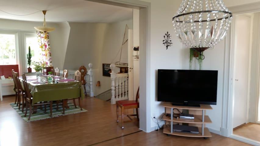 Ödeshögs Festvåning & Vandrarhem - Ödeshög - โฮสเทล