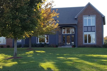 Family Friendly Home in Richfield (heated pool) - Richfield - Casa