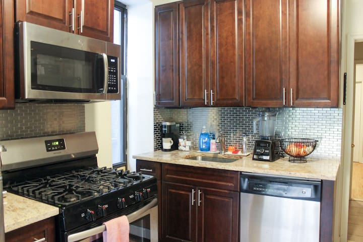Fully stocked kitchen includes Keurig/tea kettle and dishwasher