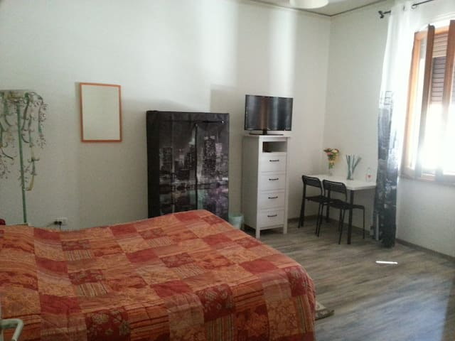 Single room near Florence - Prato - Maison