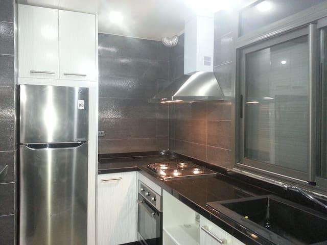 Appartement trois pièces neuf, moderne avec clim - Agadir