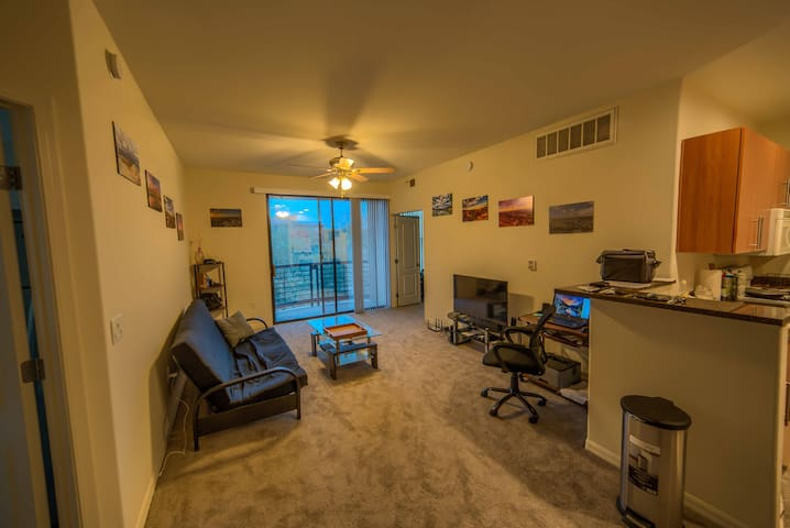 private room in central scottsdale, kierland area
