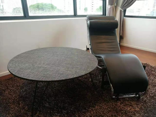 coffee table & relax chair