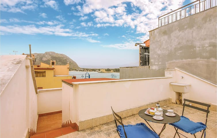Holiday apartment with 1 bedroom on 45m² in Palermo -PA-