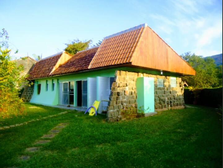 Casa para 14 pessoas em Maranduba