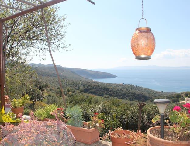 Villa Agioi Theodoroi - Kalamata - Casa