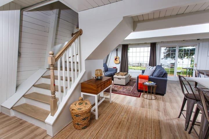 Camp Bayshore - Amazing cottage on Green Bay